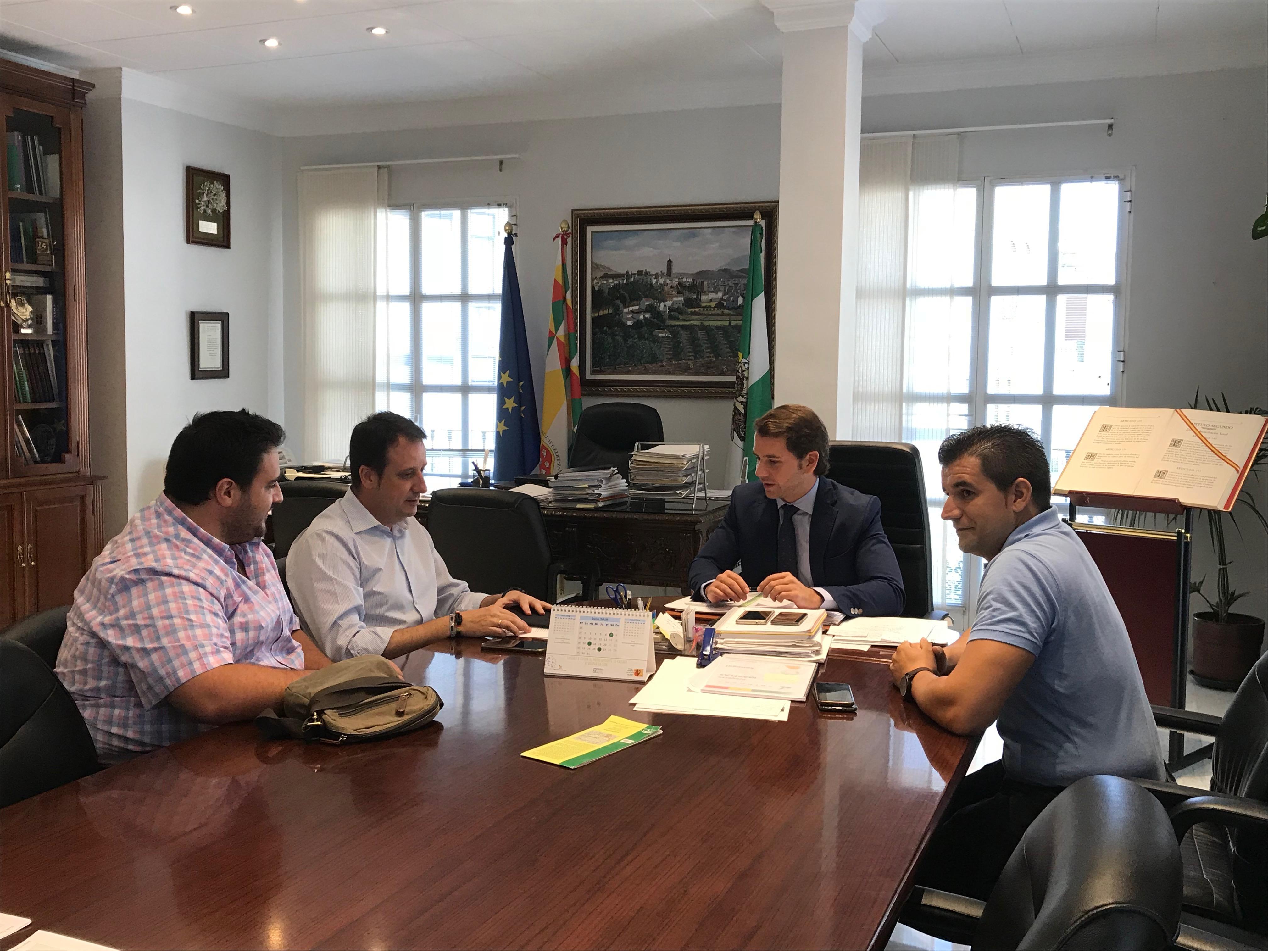 Primer encuentro institucional entre el Ayuntamiento y la nueva Junta Directiva de AECA