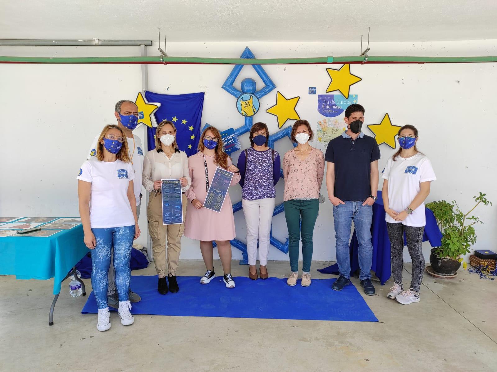 La delegación de Juventud organiza la Gymkana Europea en el IES Felipe Solís Villechenous de Cabra